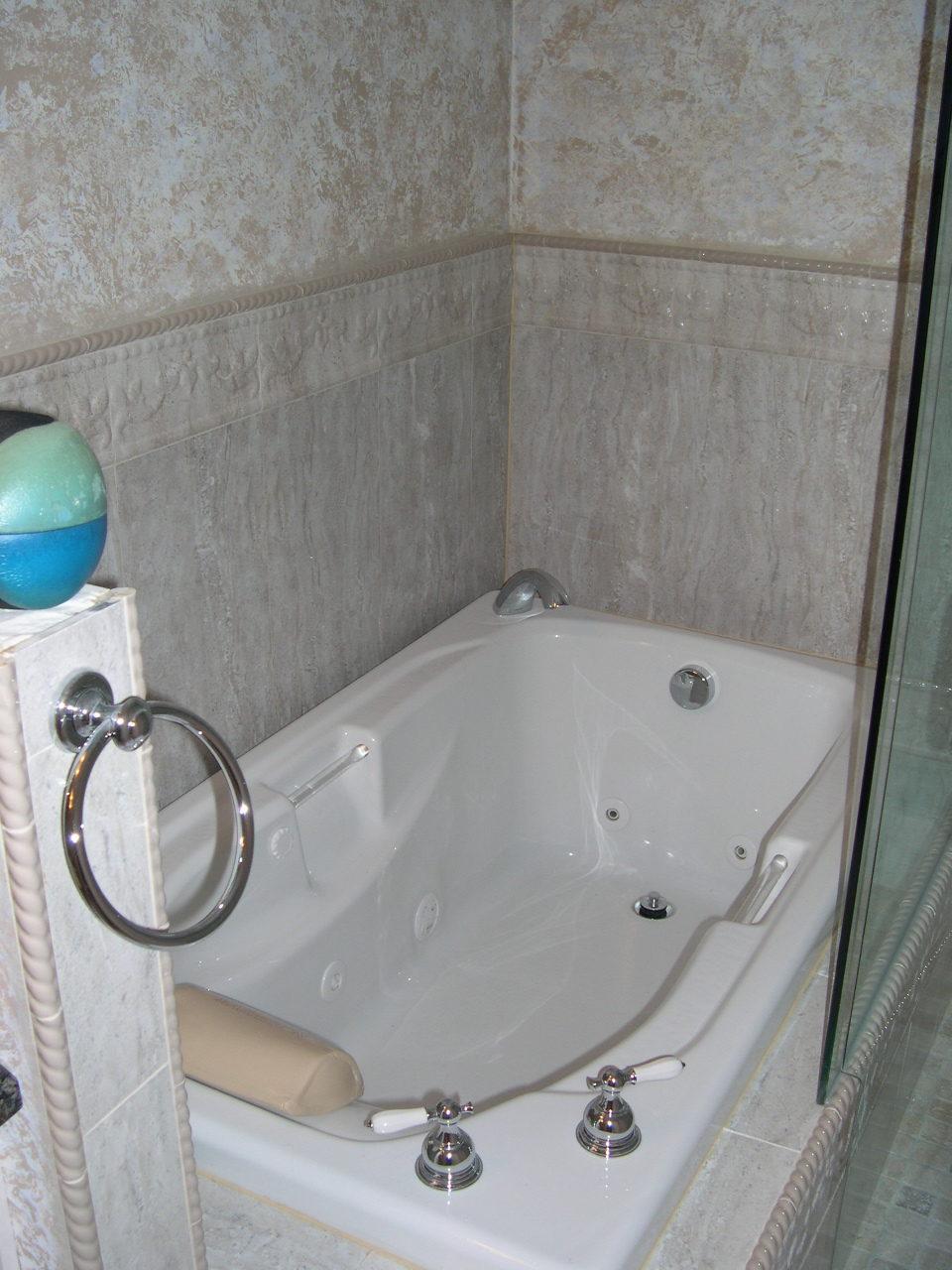 Weaver Bathroom